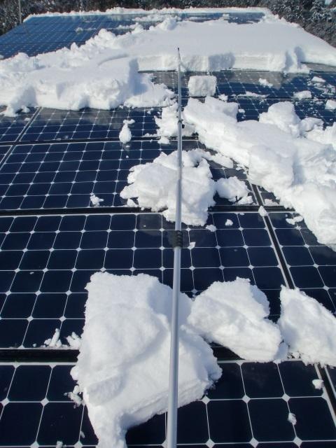 太陽光パネル雪おろし12.JPG