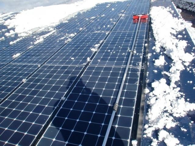 太陽光パネル雪おろし10.JPG