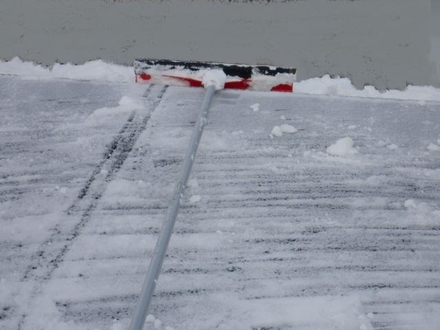 太陽光パネル雪おろし22.JPG
